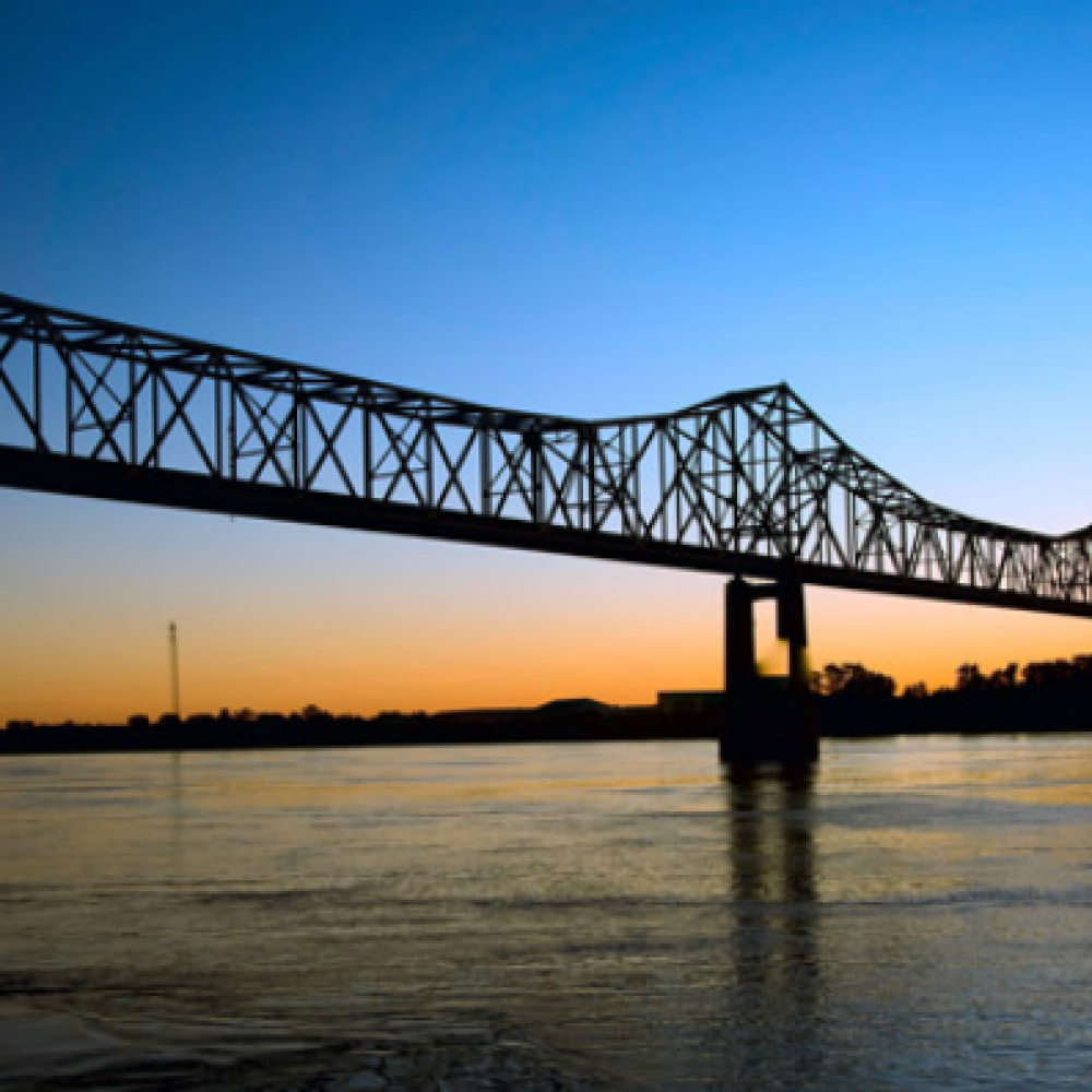 feature-helena-bridge.png